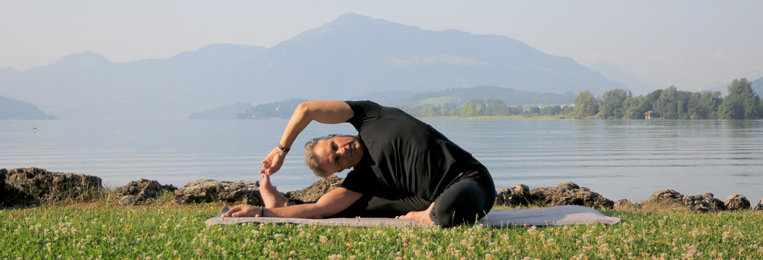 Yogakey | Thomas Gloor | Hatha Yoga English